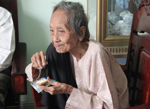 Cụ Nguyễn Thị Trù được xác lập là người cao tuổi nhất Việt Nam hiện nay.